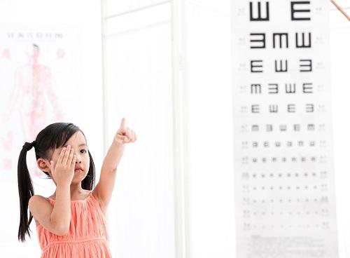 充足户外运动可有效预防近视
