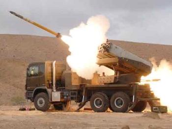 """【兵器】以色列""""C-山猫""""轻型多管火箭炮"""