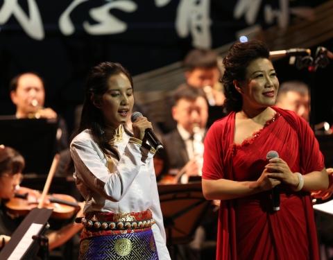 西藏盲人女孩求学上音 昨晚唱响贺绿汀音乐厅