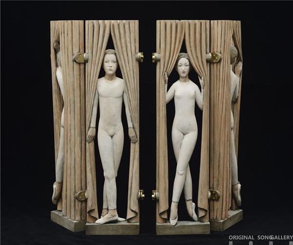 彭小佳 舞台上 木雕着色 17×4.5×68.5cm×2 2014.jpg