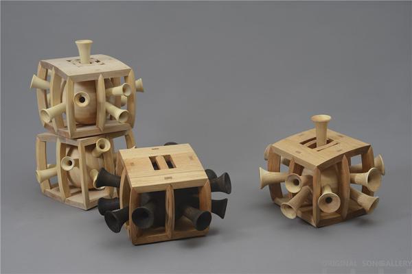 彭小佳 无声的噪音 枫木、橡木 25×45×45cm 40×45×45cm 66×43×43cm 2016.jpg