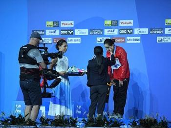 16岁的任茜哭了 憾失10米台金牌因为太紧张
