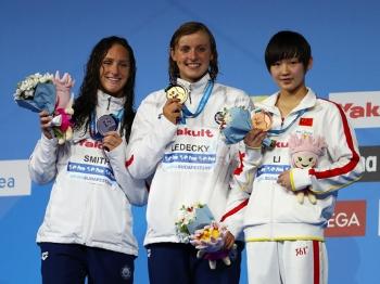 李冰洁女子400米自由泳摘铜:想拿奥运金牌