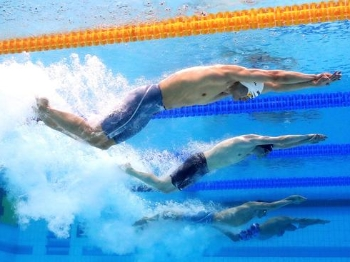 中国队获男女混合接力季军 泳将赛后都成了段子手