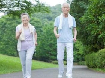 中老年人三伏天如何健身?听听专家怎么说