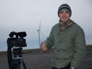 《地球,神奇的一天》范立欣:纪录片,是在生活里淘金