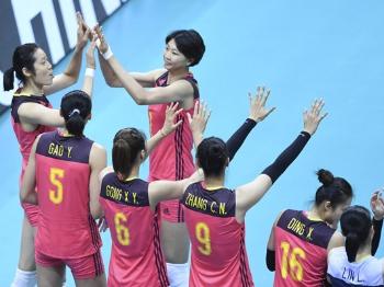 张常宁上演王者归来!中国女排3比0横扫巴西