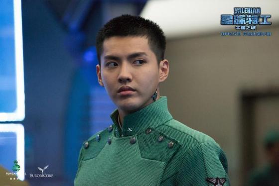 《星际特工:千星之城》发布中国区定档海报和定档预告,宣布影片将于8