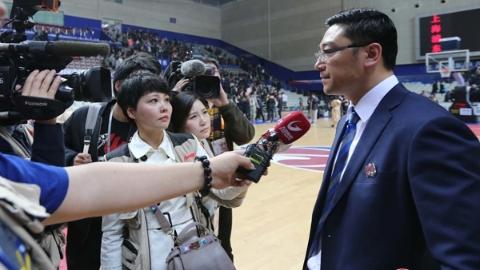 刘鹏谈人员调整后的上海男篮:少了尖子 增了厚度