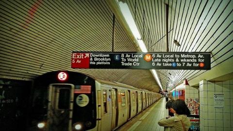 纽约地铁大修差钱 拟向富人增税