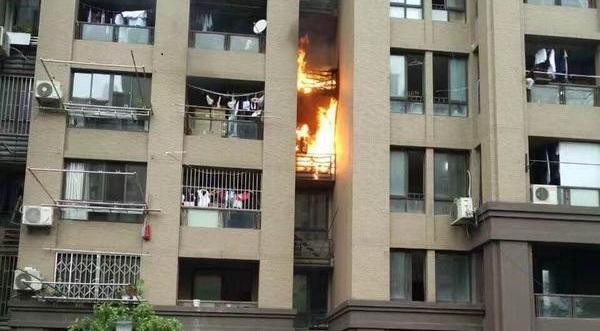 普陀区连亮路一居民楼被整体出租 高空抛物液化气瓶成隐患