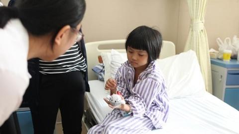 """首位云南""""心·肝宝贝""""今在中山医院手术"""
