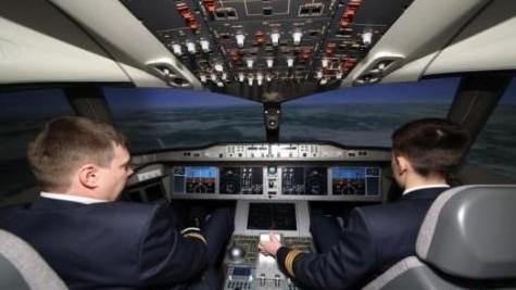俄飞行员大量跳槽到中国?俄高官:我们待遇不差