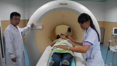 一次全身PET-CT检查等于30年辐射?听听专家怎么说