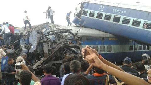印度列车脱轨死亡人数升至23人