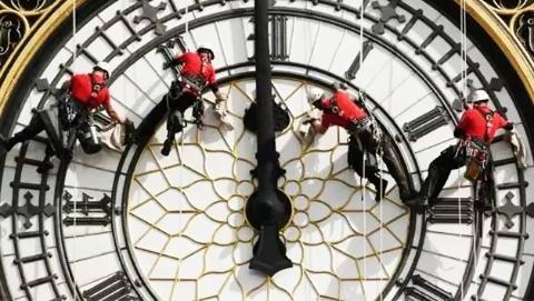 陪伴了158年的大本钟最后一响!英国人哭了