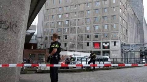 突发 | 鹿特丹发现装满瓦斯西班牙牌照汽车,疑恐袭演唱会取消