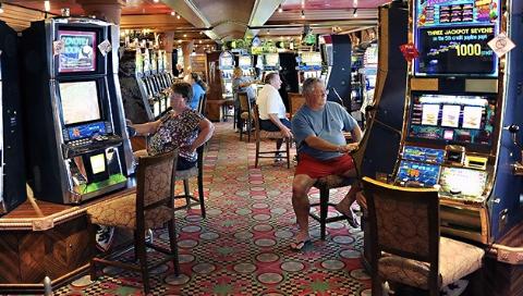控制赌博意大利玩真的,老虎机数量三年内砍一半