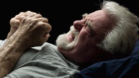 """""""剧痛""""是一种""""酥麻""""的感觉? 带状疱疹痛了8年,十院医生""""植入""""神器缓解"""