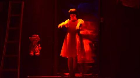 2017版悬疑话剧《记忆底牌》:光有惊悚还不够