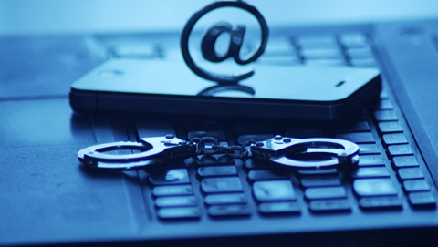 """上海域内开发APP全部实名制 打击管理并举打造网络安全""""三最"""""""