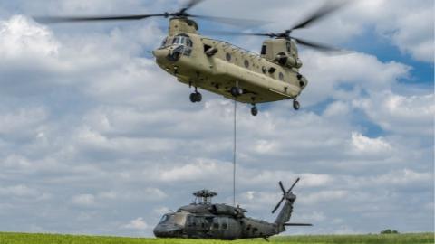 朴槿惠政府居然巨资购买美军半个世纪前二手直升机