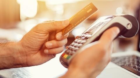 信用卡遭遇移动支付冲击?专家:合作大于竞争