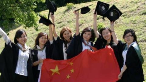 """留学生归国人数超出国人数,中国迎""""人才顺差""""世纪拐点"""