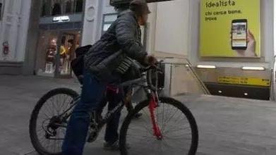 四海城事 | 意大利一男子自行车酒驾, 罚款不算还要入狱
