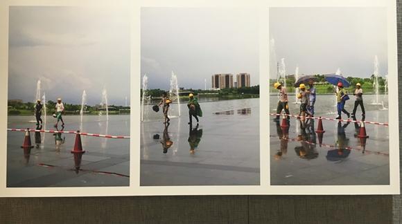 """""""行走""""市民摄影收藏展开幕:全民摄影时代已到来"""