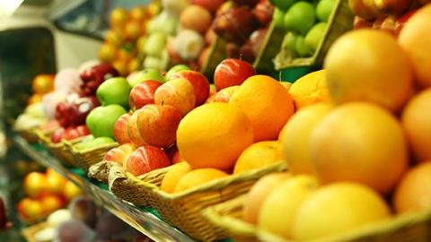 """吃水果能代替蔬菜吗?摇头可以治疗脑瘫? 9月""""科学""""流言榜发布"""