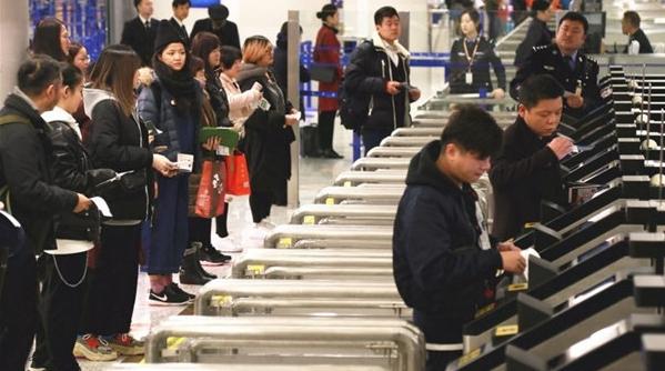减少排队等候!浦东机场再增21条出境自助通关通道