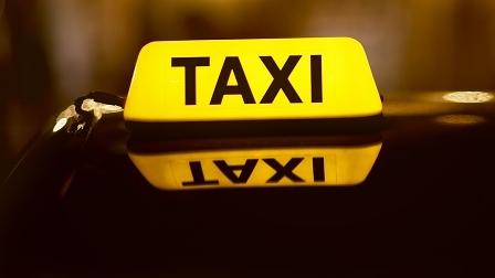 """胆大包天!克隆出租车的哥竟""""囚禁""""乘客 执法部门将持续高压打击"""