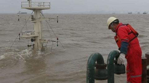 追踪报道|沉船三楼过道发现首具遇难者遗体