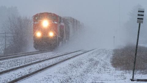 受江淮降雪天气影响 今天上海仍有32趟列车停运