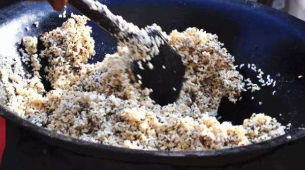 晨读 | 冬日,吃一口自己炒的冻米糖,香甜入心