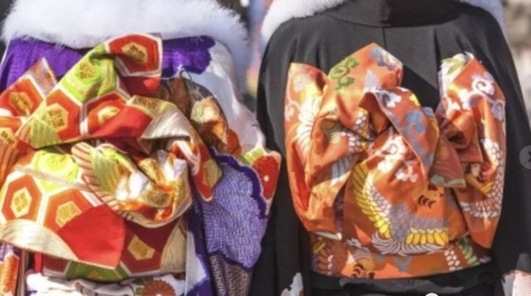 今天是日本成人节,也是日本和服业生意最旺的一天