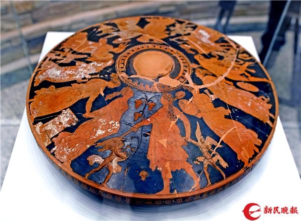 舞乐图瓶画器盖(公元前350—眼前325年)-郭新洋.jpg