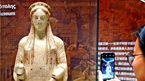 来自希腊的雅典娜女神使者科拉,在上海博物馆等你……