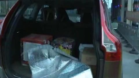 私家车藏烟花入沪时被查  警方提醒切勿从外地私自带入