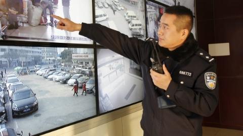 铁路客流将渐入高峰,不法分子或蠢蠢欲动!上海开展多警联合集中打击整治行动