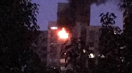 虹口一小区今早发生火灾 八旬老伯不幸身亡