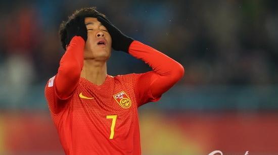 U23国足0-1不敌乌兹别克斯坦 韦世豪补时狂奔憾击中横梁