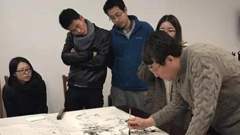 上师大山水画师生展:注重解读经典
