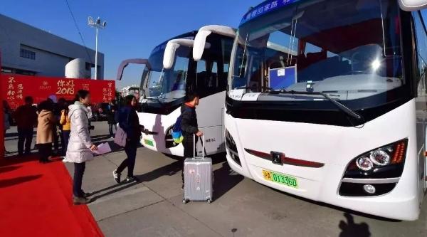 沪上部分大学生回家有福利!免费大巴送到机场火车站
