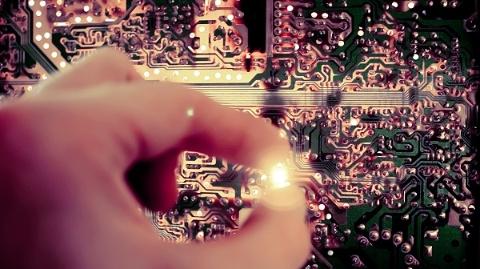 上海:冲浪AI | 全国17%人工智能企业在上海