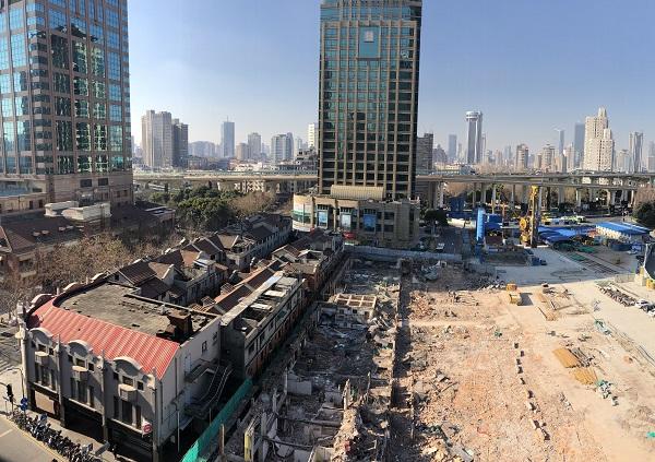 尚贤坊仅剩靠近淮海中路的两排房屋,北侧两排建筑已被彻底拆除(王蕙蓉 摄).jpg