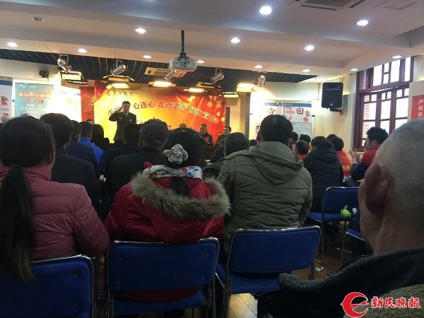 手拉手,心连心,重庆交通执法人员上海走近老乡。.jpg