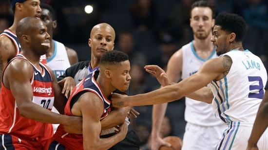 """其实大家都在演戏 NBA球场冲突诞生不少""""演员"""""""