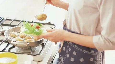 大寒节气是由冬到春的过渡时期,多吃点儿葱姜椒